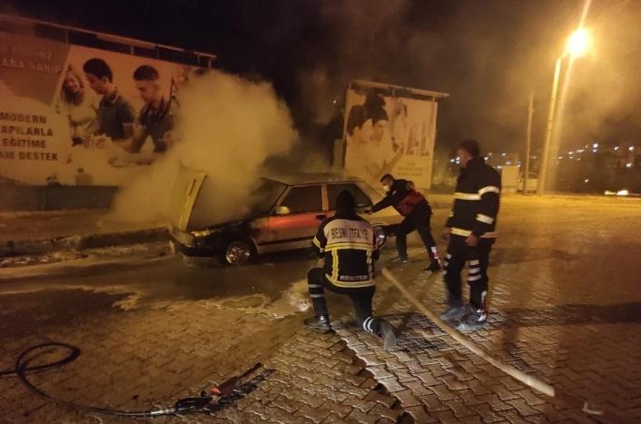 Adıyaman'da Seyir halindeki otomobil yandı