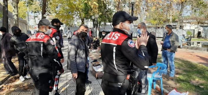 Sosyal mesafeye uymayanlara polis uyarısı