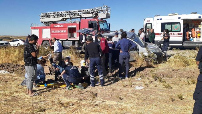 Adıyaman'da Taziyeye giden aile kaza yaptı: 1 ölü 4 yaralı