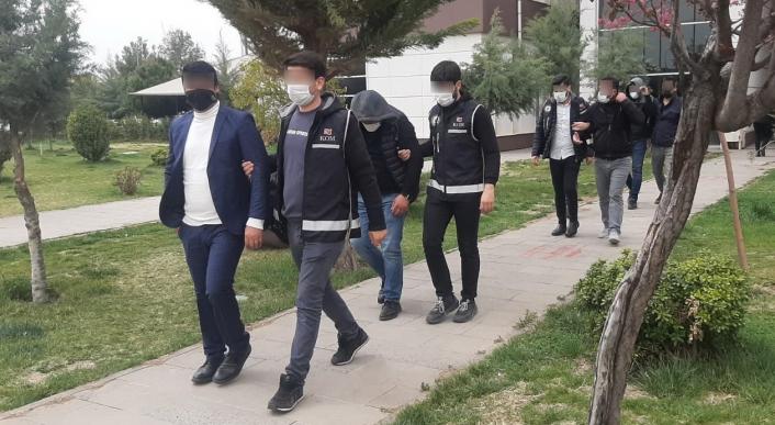 Adıyaman'da Tefeci operasyonunda 3 kişi tutuklandı