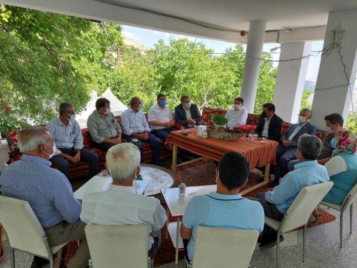 Tut ilçesinde köy muhtarlarıyla istişare toplantısı