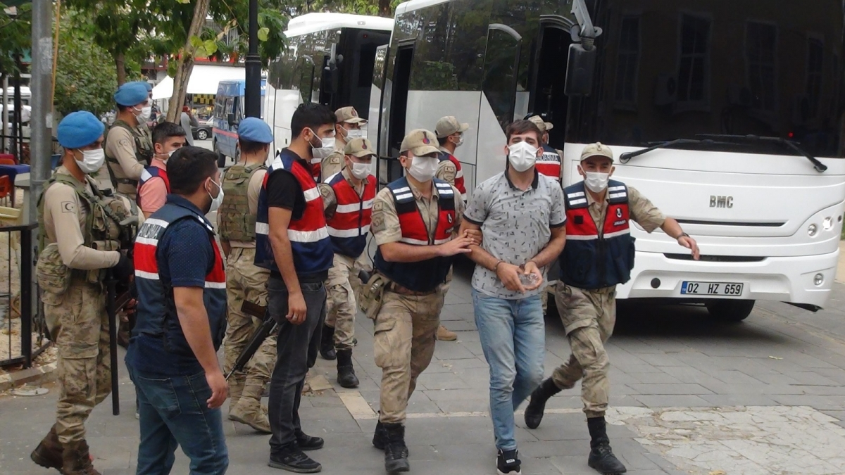 Uyuşturucu operasyonunda gözaltına alınan 11 kişi tutuklandı