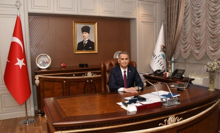 Vali Çuhadar, İstiklal Marşının kabulünü kutladı