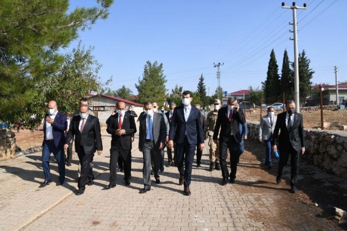 Vali Mahmut Çuhadar Balkar ve Belören beldelerini gezdi