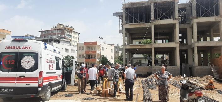 Yüksekten düşen inşaat işçisi ağır yaralandı