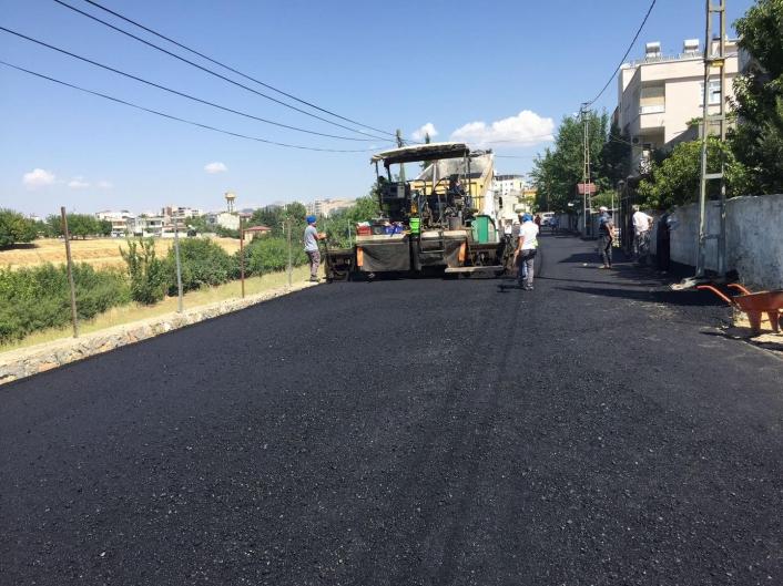Yunus Emre mahallesinde asfalt çalışması